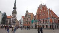 Рига: прогулка по улицам Старого города в дождливый день