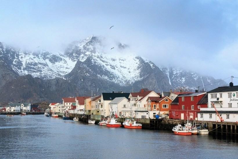 Норвегия весной фото туристов компонентами зимних