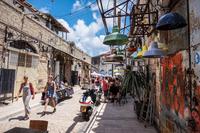 И даже такие колоритные улицы можно встретить в Израиле