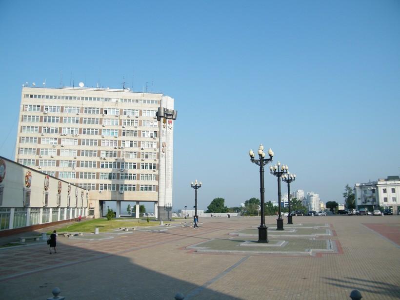 Площадь Славы в Хабаровске весной