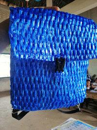 Отец из Камбоджи не мог позволить себе купить сыну школьный рюкзак и сделал его сам