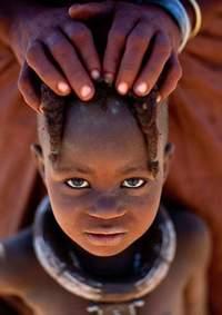 Неотразимо красивые дикие племена Анголы, живущие точно так, как и в далеком прошлом