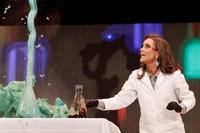 Вместо танца — химический опыт: в США в конкурсе красоты победила девушка-ученый