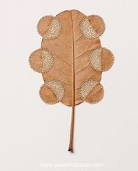 Художница делает невероятные произведения из хрупких осенних листьев и обычных ниток