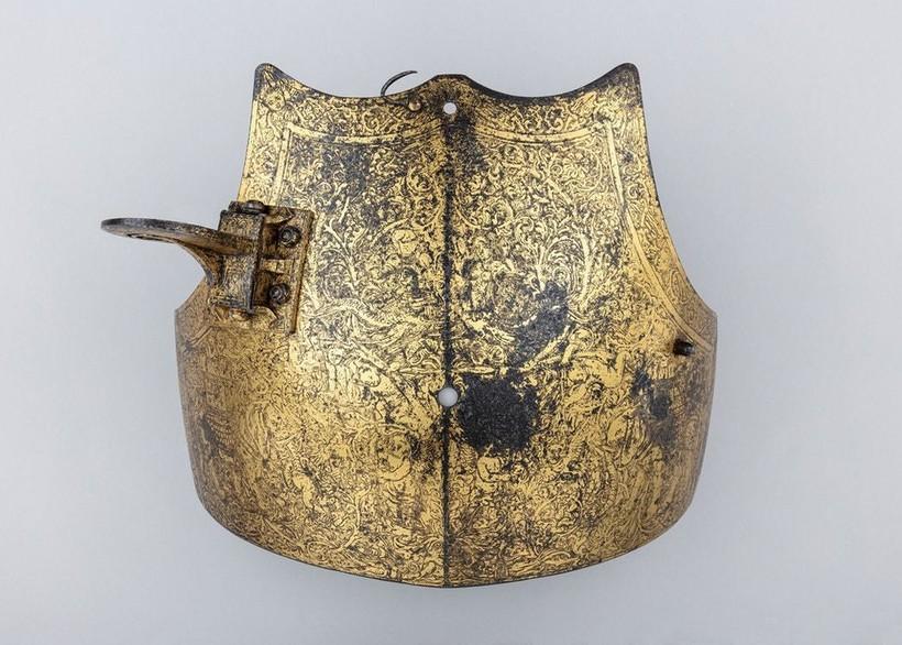 Нагрудник — деталь доспехов Генриха VIII
