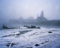 Англичанин провел зиму в темноте, фотографируя  жизнь арктической периферии России
