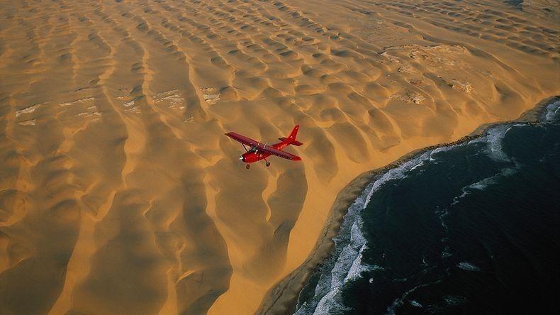 Где песок становится морем: как пустыня Намиб встречается с Атлантикой