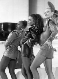 Аутлет The Mall Sanremo представляет выставку «Модная сторона фестиваля»
