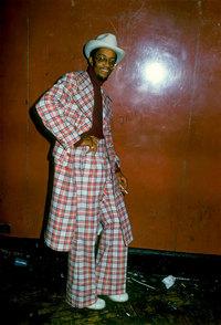 Потрясающие честные фото, сделанные в клубах Мемфиса и Нью-Йорка в 1973 году