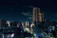 Тихая ночь: фотограф делает чудесные снимки крупных мегаполисов ночью