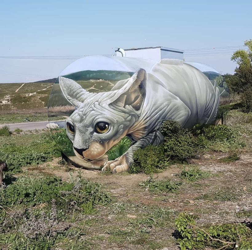 Французский художник превратил бензобак в гигантского 3D-сфинкса