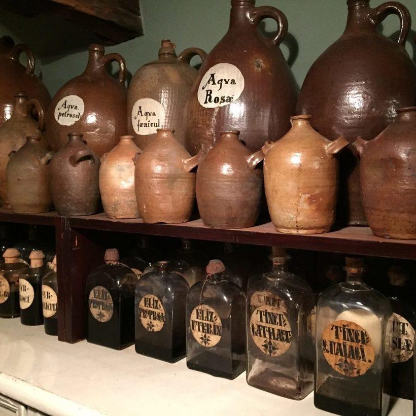 Кладовые чудес: что можно обнаружить в аптечных музеях