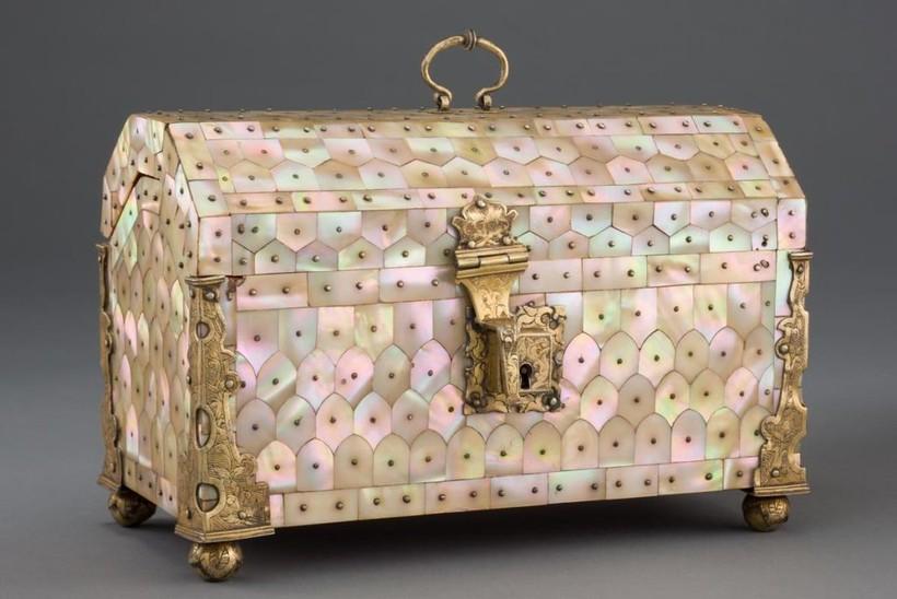Перламутровые чудеса из Гуджарата: 6 изысканных изделий XVI-XVIII веков