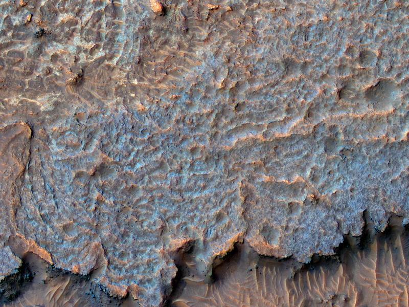 5 странных рельефов и явлений на Марсе, которые пока не поддаются земному разуму