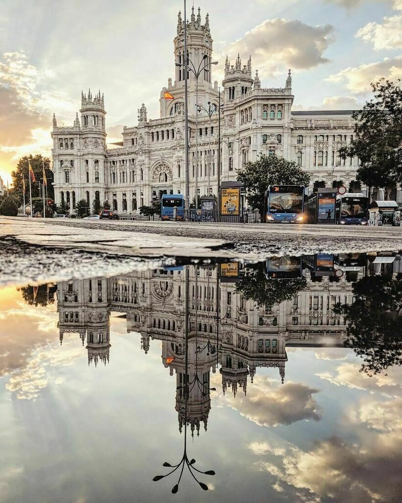 Другой мир: испанец снимает лужи и показывает, что даже в них есть прекрасное