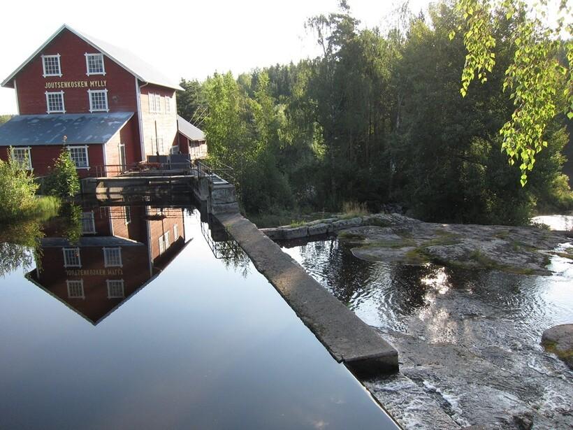 Река Серьга в Финляндии и в России