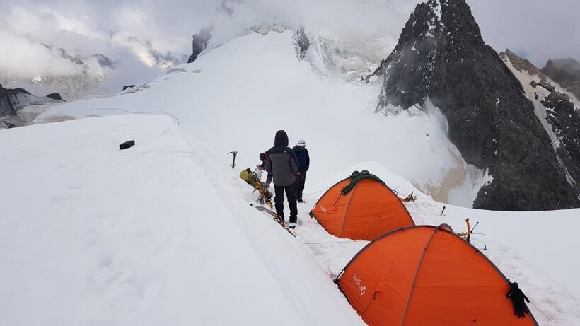 Лагерь альпинистов
