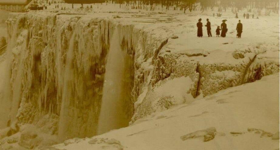 Фото дня: Ниагарский водопад, скованный льдом, 1911 год